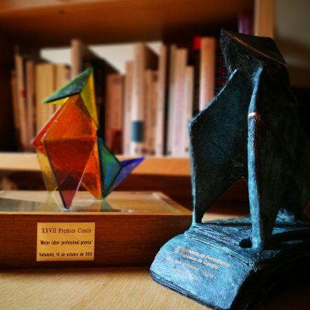 Premio Cossío 2012 de Prensa y Premio Cossío 2018 de Periodismo Digital.